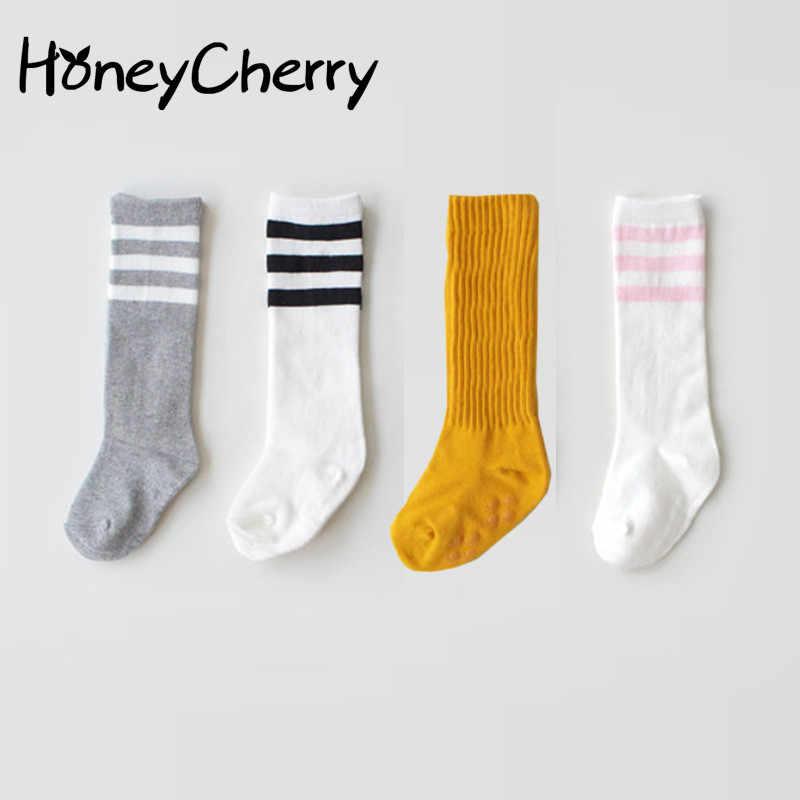 ถุงเท้าเด็กเข่าข้ามในเด็กถุงเท้าฤดูใบไม้ผลิและฤดูใบไม้ร่วงฝ้ายฤดูใบไม้ร่วงสไตล์ทารกแรกเกิดถุงเท้า