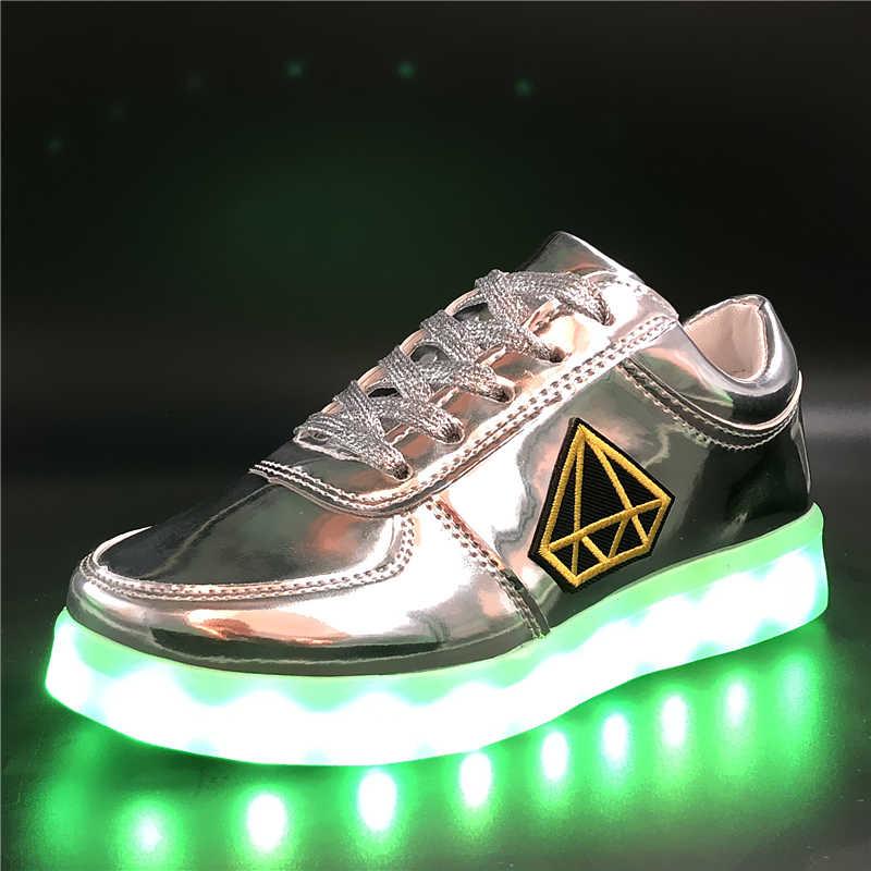 7ipupas 30-44 แฟชั่นเด็กรองเท้าส่องสว่างปักสติกเกอร์ led รองเท้าเด็กชายและเด็กหญิงชาร์จ USB เด็กกลางแจ้งเรืองแสงรองเท้าผ้าใบ