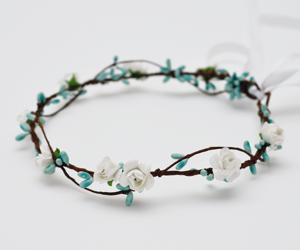2018 New arrival dainty delicate white rose and baby blue pip berries  flower crown headband floral circle hair accessories b6df19db5b4ea