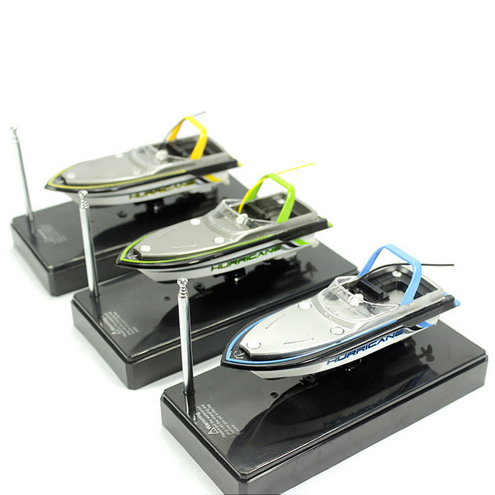 Micro Radio RC Remote Control Super Mini 13cm Speed Electric Boat Dual Motor Toy Color Random Hot Selling