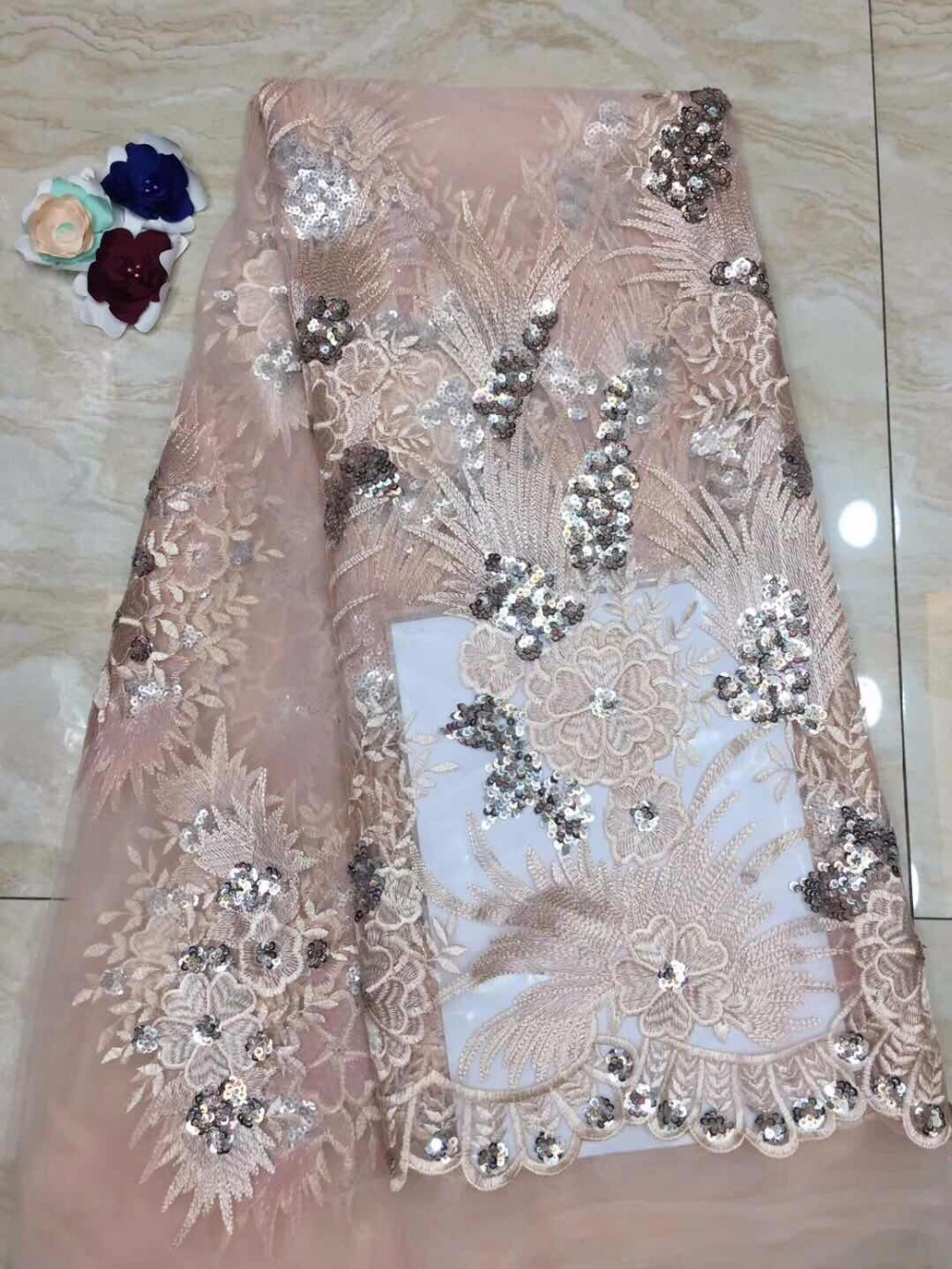 African Sequin Lace Fabric 2019 Embroidered Nigerian Laces Fabric High Quality French Tulle Lace Fabric For Women(5-19African Sequin Lace Fabric 2019 Embroidered Nigerian Laces Fabric High Quality French Tulle Lace Fabric For Women(5-19