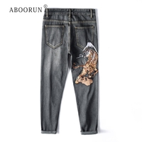 ABOORUN Japanese Tiger Embroidery Jeans Men's Harajuku Daning Jeans Plus Size 40 Loose Straight fit Jeans for Male R1180