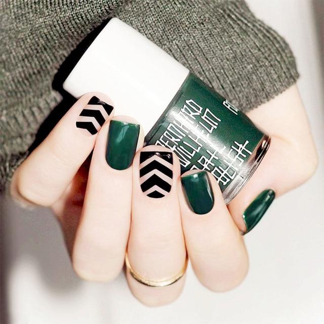 24pcs Set Dark Green Black Lines False Nails Short Design Girls
