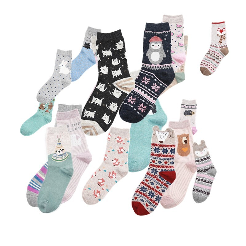 [PEONFLY] New 18 Style Cute Animals Lovely Cartoon Cotton Socks Dot Stripe Creative Colorful Fashion Socks Beautiful Floor Socks