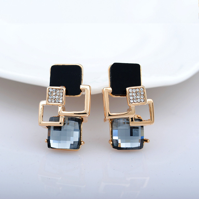 Fashionable high quality crystal earring rhinestone earrings champagne sell at a low price for women, fashion jewelry