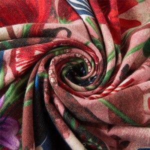 Image 5 - POBING יוקרה מותג חורף צעיף קשמיר כיכר צעיפים ספרד סוס עלה פרח הדפסת מטפחת נשים צעיפי גלישת חיג אב 130CM
