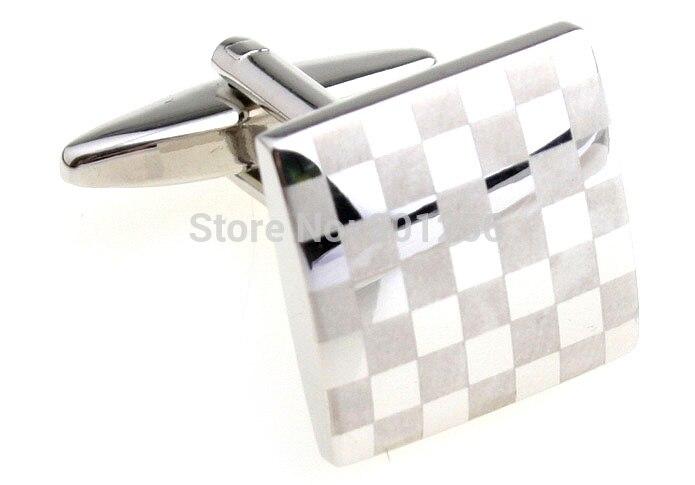61fa554fd35 O envio gratuito de Abotoaduras de Laser cor prata quadrado cheque marca design  homens material de cobre abotoaduras atacado   varejo