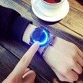 Novo Conceito Criativo Unisex Relógios de Pulso Pulseira de Couro Mens Moda Genebra Relógio de Quartzo Homens de Luxo Presentes LED Toque 2017