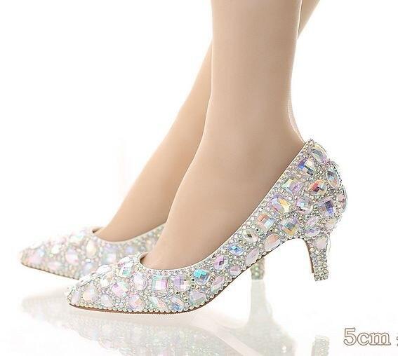 New Fashion 5cm Thick Heel Crystal Women Shoes Pumps 5cm Rhinestone Heels  Silver Rhinestone Women Wedding Shoes Low Heels Shoes 1cca24af702f