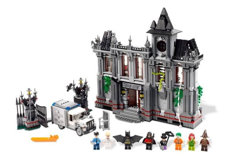 1685PCS LEPIN 07044 Arkham Asylum Breakout Super Heroes DC Batman Superhero Movie Building Bricks Blocks Toys Compatible 10937 lepin 07056 775pcs super heroes movie blocks the scuttler toys for children building blocks compatible legoe batman 70908