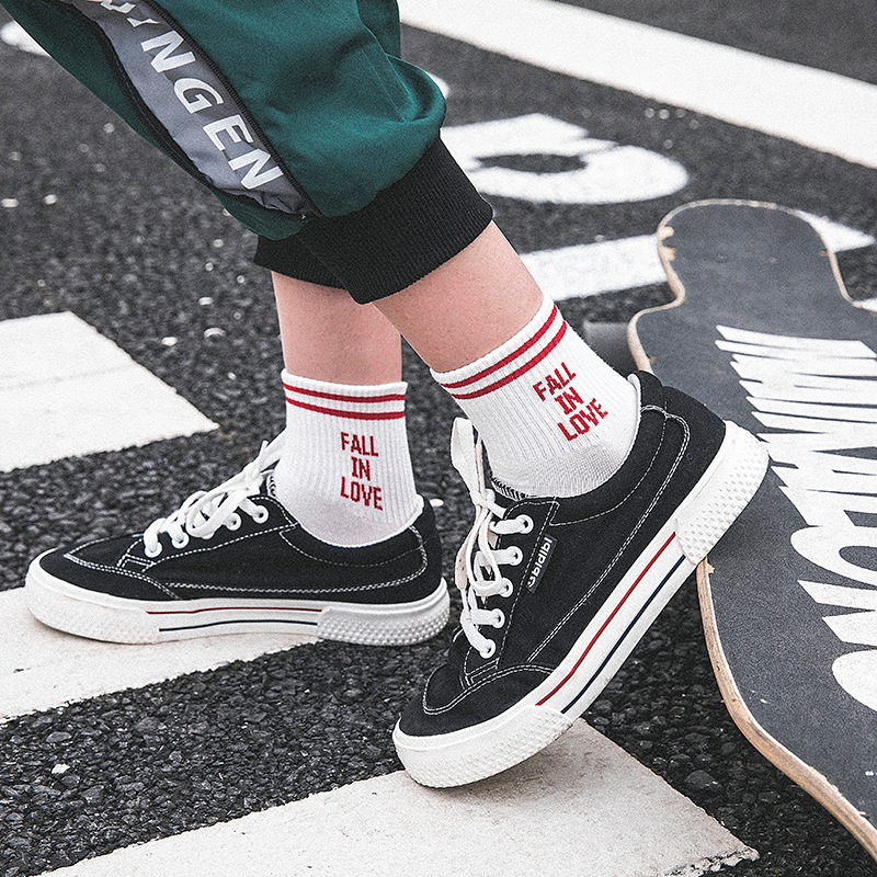 2018 New Arrival Women   Socks   Korea Lovely Letter Fall in Love High Quality Cotton   Sock   Cute Stripe Fashion   Socks   Meias 5 Colors
