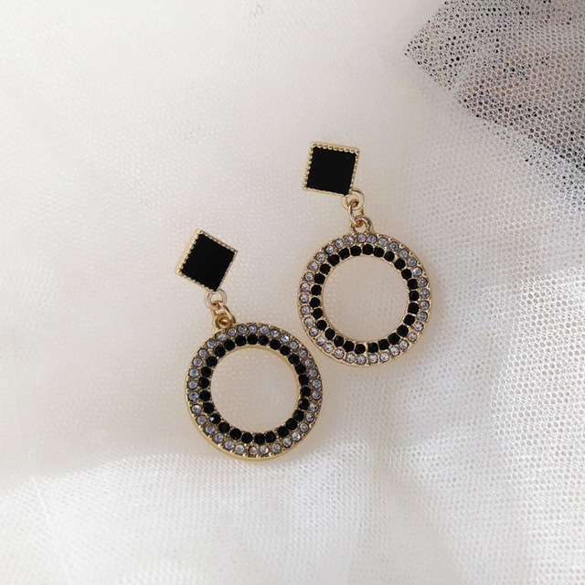 Black Crystal Metal Round Clip Earring NO Pierced With Stone White Rhinestone Elegant Clip on Earrings Without Piercing Ear Hole 4