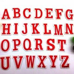 Fer brodé sur patchs DIY26 anglais lettres rouges patch Motif dessin animé vêtements chapeau Applique accessoire broderie nom patchs