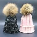 Mujer Invierno Gorros Gorras 100% Real de piel de Mapache 15 cm Pompón De Piel Sombreros Para Las Mujeres