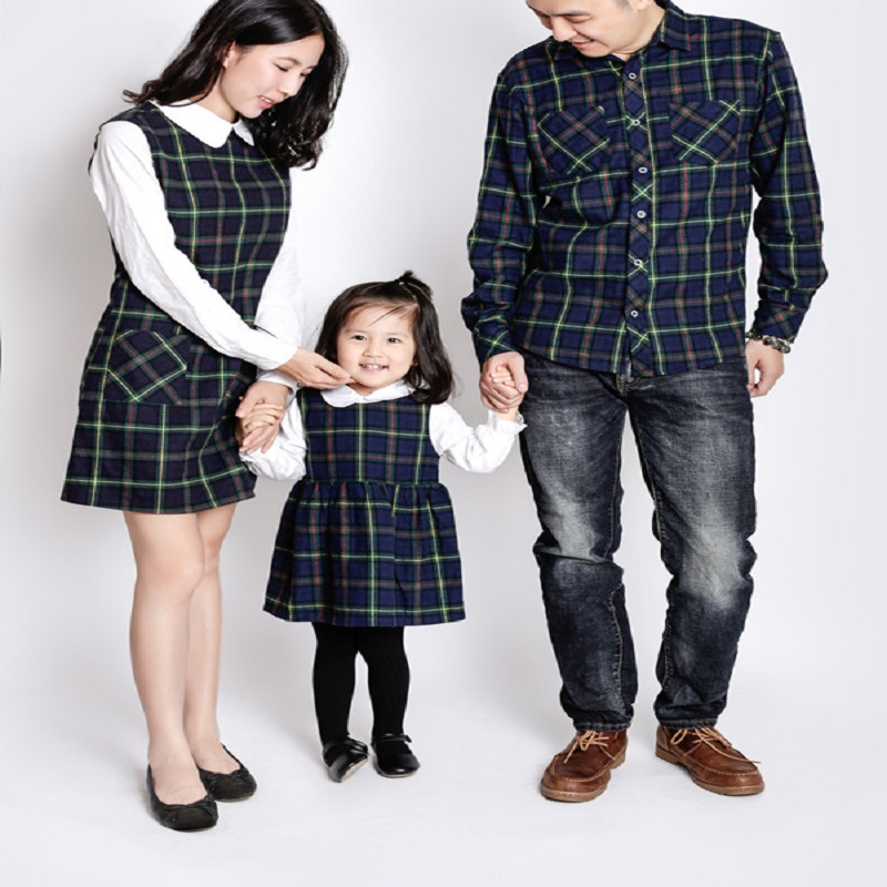 Family Matching Outfits Autumn Long Sleeve Dad Clothes Mom and Daughter Dress Cotton Family Look Green Fashion Clothing невидимки royal diamond заколка