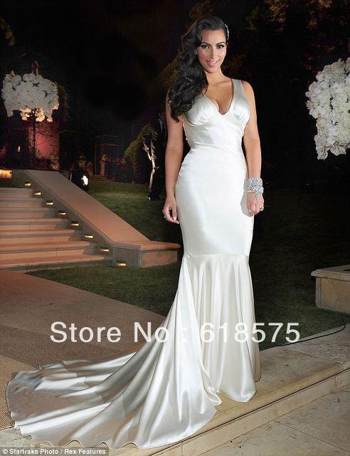 cf93295eeb Celebrity Dresses famoso con cuello en V Kim Kardashian Mermaid largo de  marfil de la boda