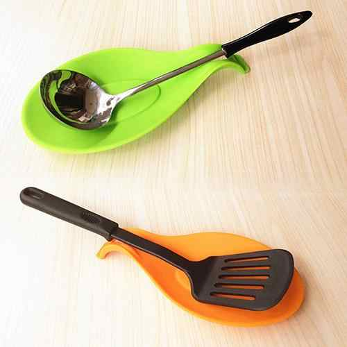 Silicone Spoon Pad Heat Resistant Spoon Fork Put Mat Device Rest Utensil Dish Spatula Holder Pads Kitchen Stand Tool Placemat
