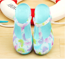 Candy Color Beach Shoes 2016 New Clogs For Women Leaf Printing Sandals Summer Garden Shoes Zuecos Goma Eva