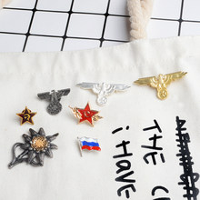 b786cdc585b2 WW2 Edelweiss Aquila URSS stella Rossa Bandiera della Russia Spilla In  Metallo Spille Distintivo Souvenir Coccarda Cappotto Capp.