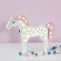 Sevimli Hayvan Gece Lambası Çocuklar için 11 çeşit Bulut Yıldız Ayı Kelebek LED Nightlight Yatak Odası duvar lambaları, ahşap Pil Masa lambaları