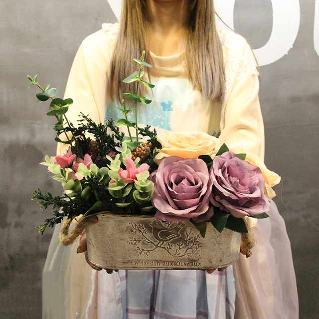 1 Set Rose Imitasi Tua Oval Putih Toko Lembaran Besi Pot Bunga Bunga Buatan  Vas Pernikahan b90d360d18