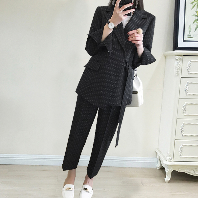 In The Fall Of 2019 The New Large-Size Women Striped Suit Set Fashion Belt With Elastic Waist Sashes Black Jackets Women Suit