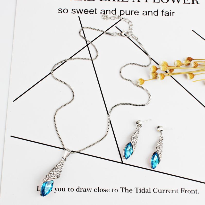 Fancinating Women's Necklace Water Drop Pendant Ear Studs Suit Jewelry Ornaments Gorgeous Imitate Pendientes Choker Trinket