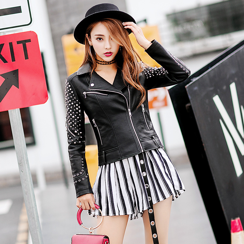 2019 New Gossip Rivet Locomotive Pu Leather Women Short Jacket Korean Fashion Slim Leather Jacket
