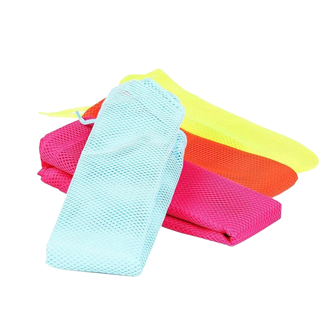 Multifunctional Mesh Bag for Cats Grooming