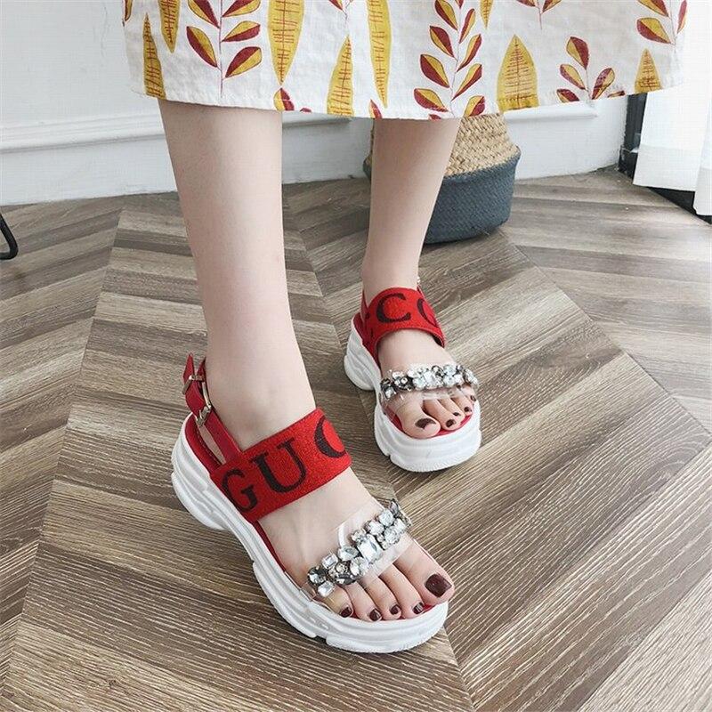 2019 nueva moda casual red sandalias romanas femeninas esponja pastel suave gruesa playa sandalias y zapatillas uso salvaje sandalias-in Sandalias de mujer from zapatos    2