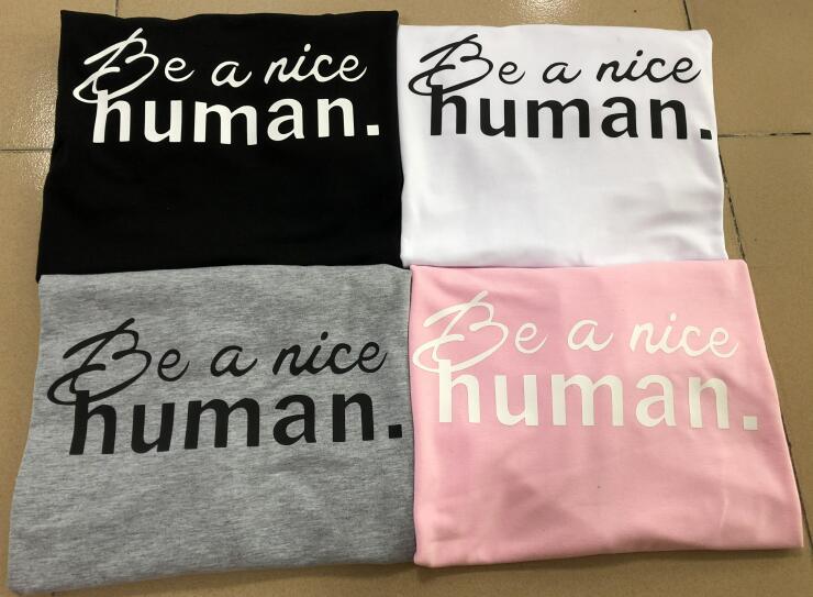 Essere una bella umani Graphic T-Shirt Signore Tumblr Grunge Slogan Tee Delle Donne di 90 s Lettera Divertente Magliette e camicette Pantaloni A Vita Bassa Estetica Abiti oversize
