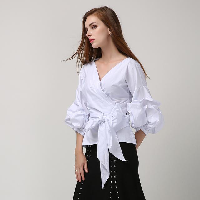 [Twotwinstyle] verano de Corea Puff Mangas Cross V Cuello Más El Tamaño de Las Mujeres camiseta Con Encaje Hasta la Moda A Cuadros de Color Rosa Blanco Negro Color
