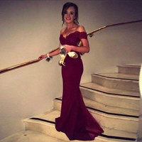 Sexy Burgundy Off The Shoulder Prom Dresses 2019 Lace Applique Top Mermaid Formal Evening Gowns Arabic Party Dresses WH55