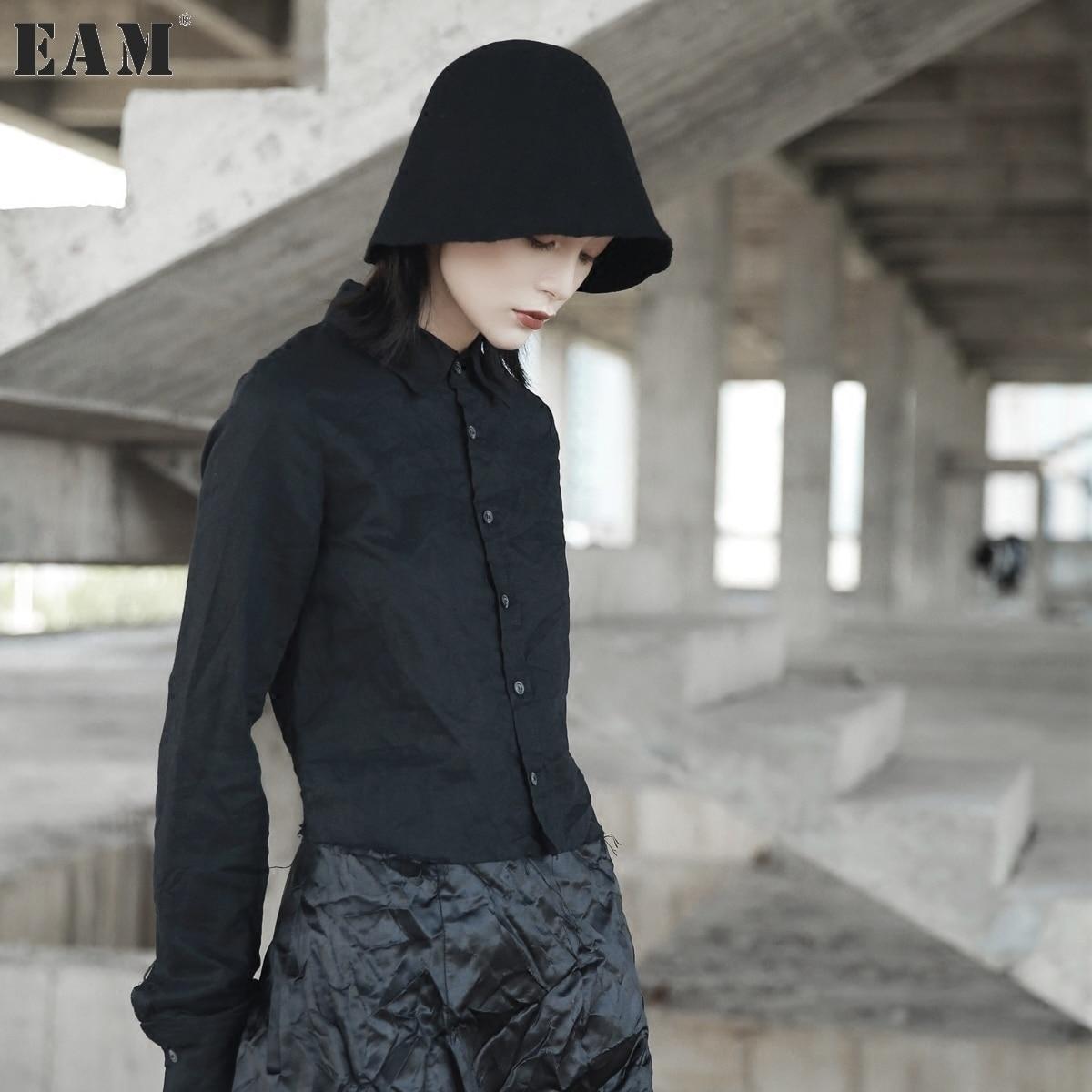 [EAM] 2018 New Spring Fashion Cut Side Cotton Linen Short Type Long Sleeve Solid Color Black Shirt Women YA12101S