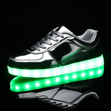 Unisex shoes led shoes for adults zapatos mujer led shoes man 2017 hot fashion breathable led luminous shoes gold siliver