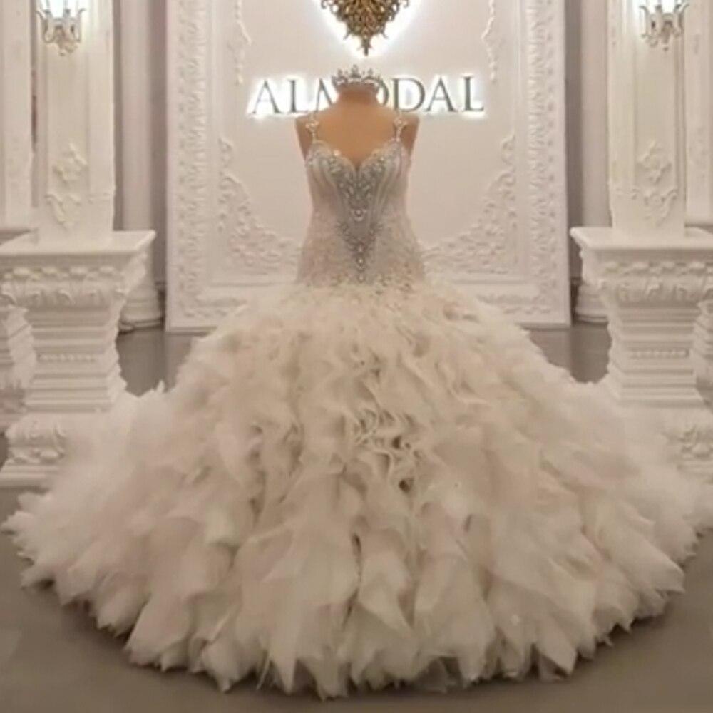Бальный наряд торжественные платья fit и flare рюшами с украшением в виде кристаллов, со шлейфом, свадебные платья украшенное бисером свадебное...