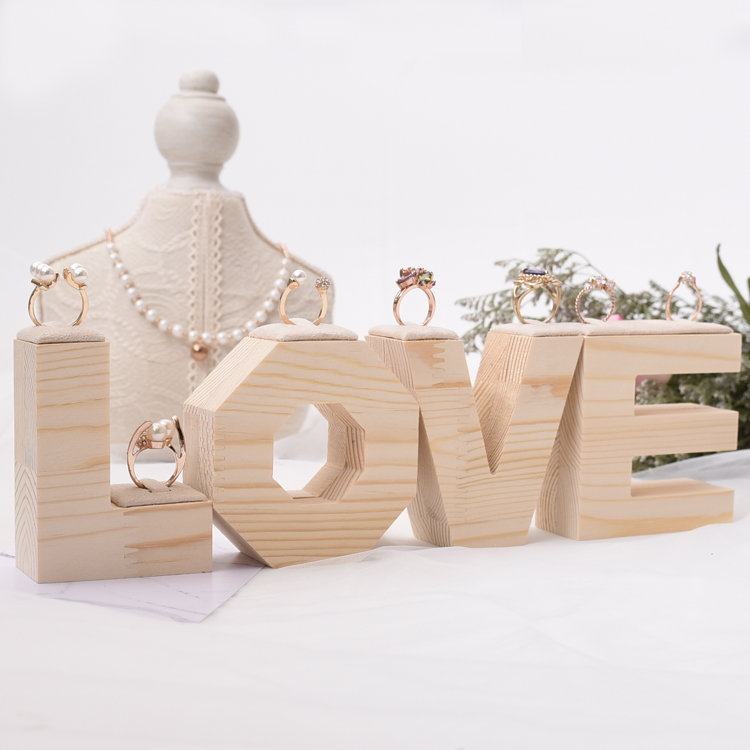 Bois massif créatif anneau bijoux bague boîte de fiançailles de mariage boîte de rangement de bijoux étui amour Figurines mariage anneau Stand