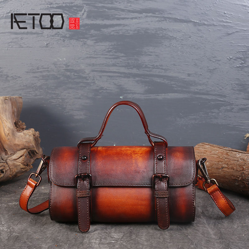 AETOO The new first layer of leather shoulder Messenger bag retro eraser tanned leather portable leather handbags aetoo the new first layer of leather handbags leather lingge shoulder bag retro cowardly messenger bag female small square bag