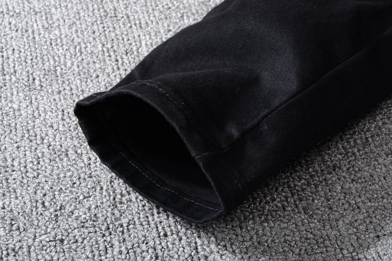 Royles! Men's Distressed Black Jeans  4
