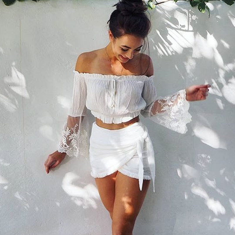 Off Shoulder Lace Stitching Flare Sleeves Crop Top Chiffon T-shirt 2019 Women Casual White T Shirt High Street Style Fahion Tops