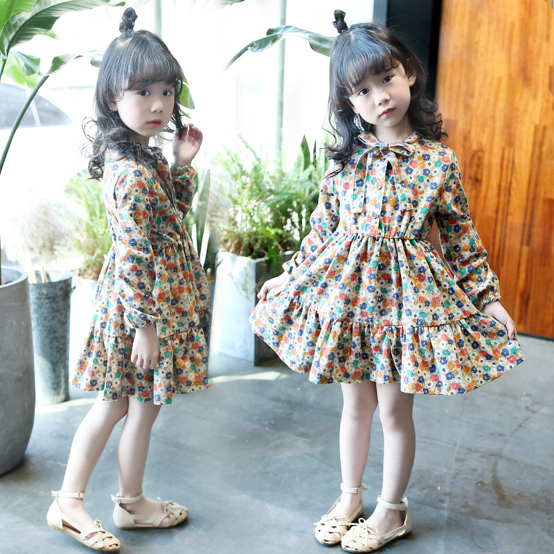 Girls Dress 2017 New Medium-sized Virgin Spring and Summer Wear Floral Bottom dress Retro Cute LORI Long Sleeves Dress 2-14y small and medium sized electric tricycle