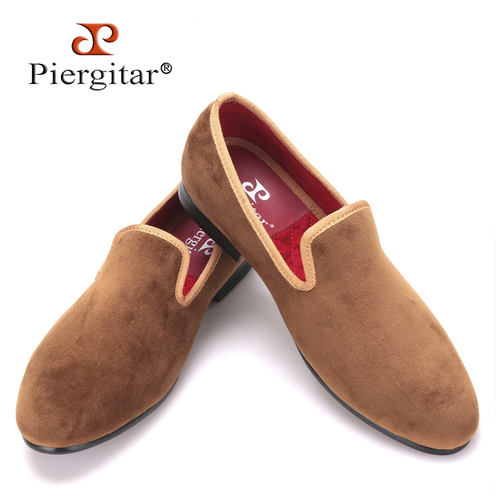 Piergitar new arrival Handmade men new style velvet flats shoes Party and Banquet men dress loafers Fashion smoking slippers handcraft men velvet shoes with bird embroidery british style smoking slippers fashion party and wedding men dress loafers