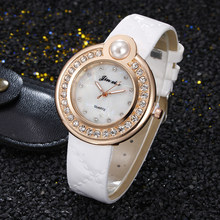 2018 ladies Watch Fashion Luxury Ladies Quartz Wristwatch Top Brand Leather Strap analog pearl Watch Women Watches reloj mujer(China)