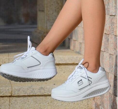 Venda de calçados casuais das mulheres sapatos primavera verão outono rendas balanço de couro de qualidade superior