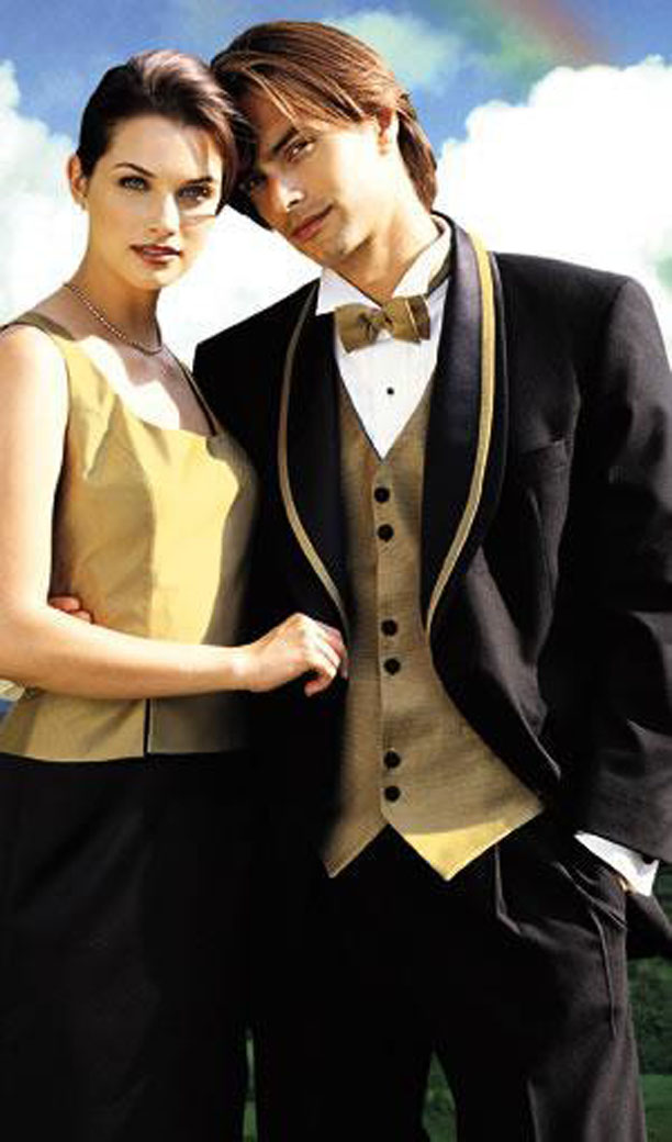 BARGAIN ! MENS AND PAGE BOYS PLAIN GOLD SILK WEDDING DRESS WAISTCOAT ONLY £10