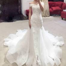 2018 Boat Neck Court Train Lace Wedding Dress Backless