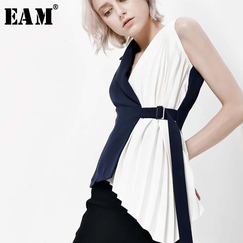 [EAM] Women Blue Contrast Color Pleated Asymmetrical Loose Fit Vest New V-collar Sleeveless   Fashion Spring Autumn 2020 YC311