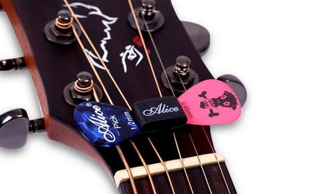 Rubber Guitar Picks Holder
