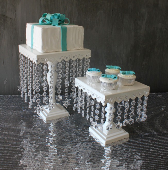 Big Size : Cake Pan Diameter Is 25CM, And Height Is 32 Cm, Total 225pcs  Crystal Beads