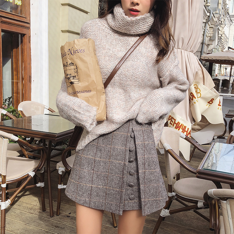 Image 3 - Mishow 2019 Spring Office Lady Shorts Skirts fashion Female Plaid Slim casual button Mini shorts MX18D2451-in Shorts from Women's Clothing